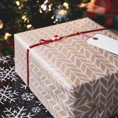 Holiday Savings: How to Save Money on Christmas Gifts